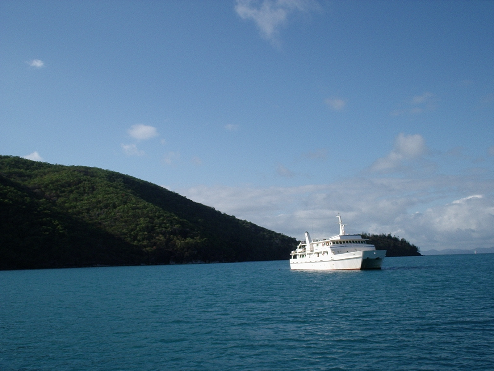 Sailing on the Tongarra, Whitsunday Islands 2